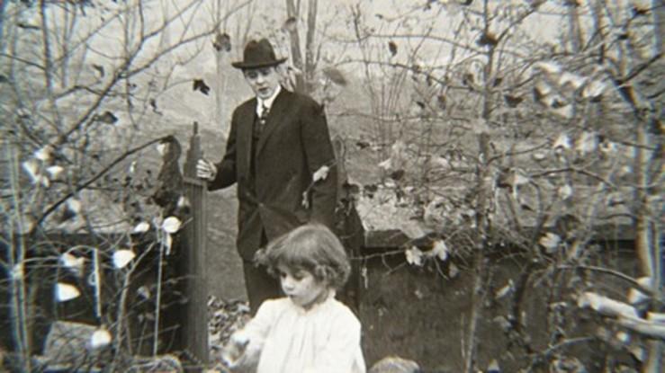 1912 Falling Leaves