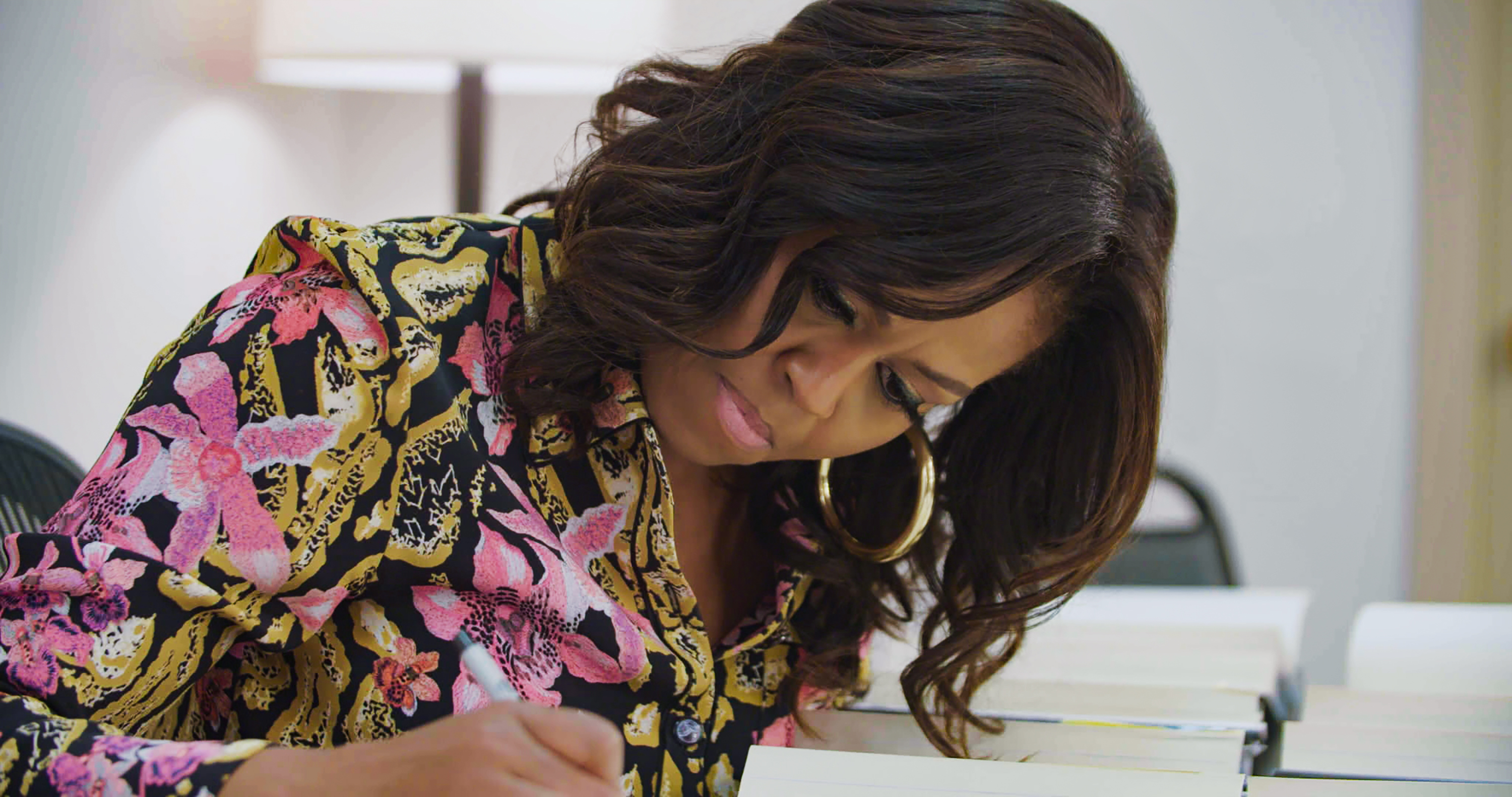 MO-Signing-Books-01_R